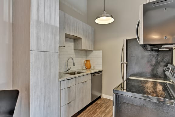 Fully Equipped Kitchen at Cooks Crossing Apartments, Milford