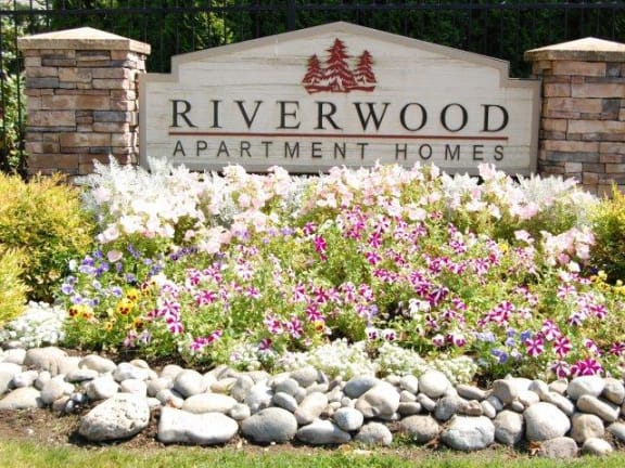 Riverwood Property Entry Monument Sign