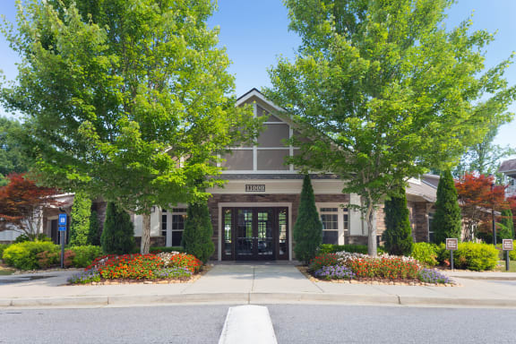 The Oaks at Johns Creek - Leasing office exterior