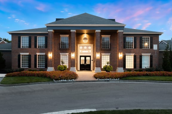 Weston Point Apartments - Leasing office exterior