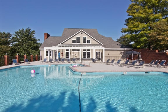 Sparkling Pool at River Oak Apartments, Louisville