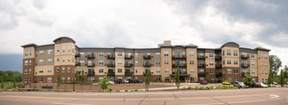 Apartments Available On Rent at Overlook on the Creek, Minnesota