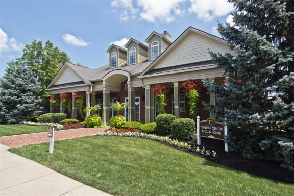 Leasing office at The Resort At Lake Crossing  Apartments, PRG Real Estate, Lexington