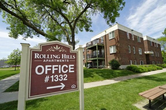 Rolling Hills apartments exterior