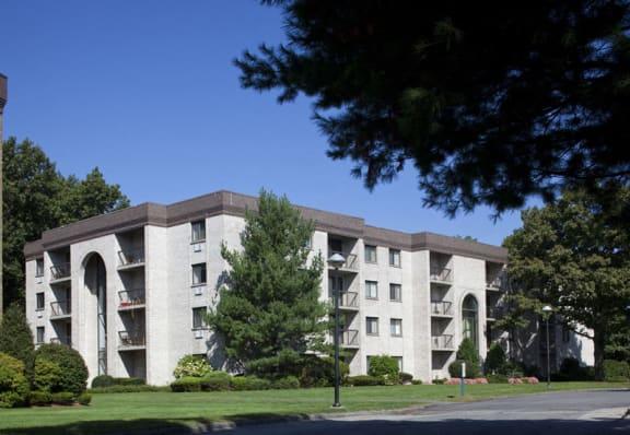 Shrewsbury Commons Apartments