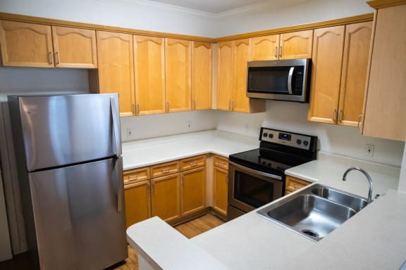 Modern Kitchen at Northlake Park, Florida