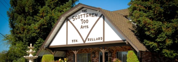 Front Exterior at Scottsmen Too Apartments, Clovis, California