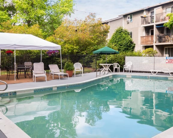 Birchcreek Apartments Pool