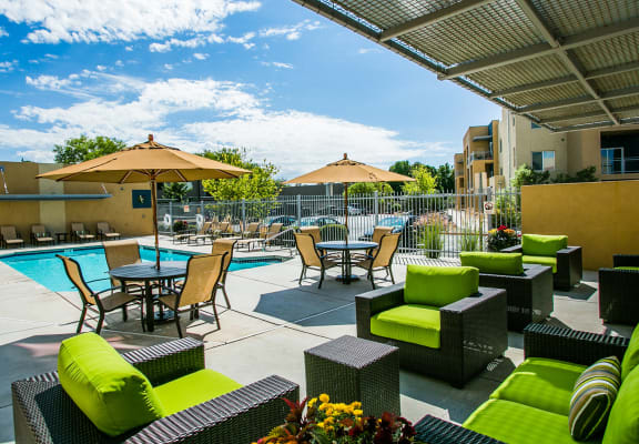 Sparkling swimming pool at Rio Rancho apartments for rent