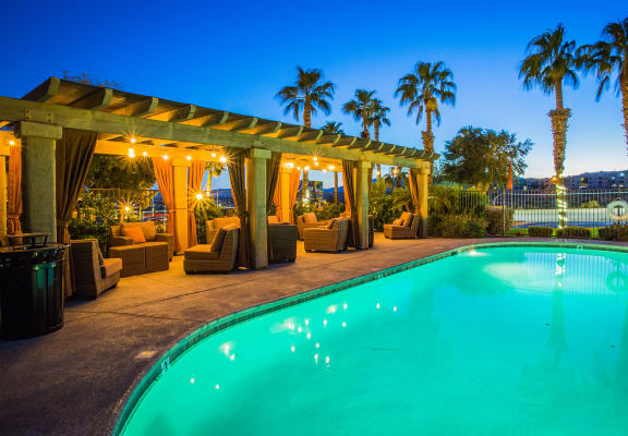 Beautiful Pool at NV Apartments for Rent