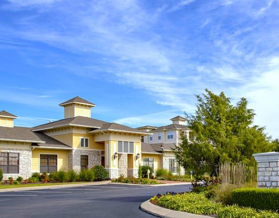 Sonoma Grande Apartment Homes in South Tulsa