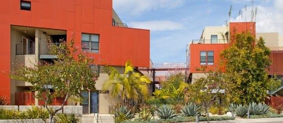 Santa-Monica-Affordable-Apartments-2029-Olympic-Exterior