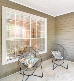 Apartments with outdoor patio | Lodge at Lakeline Village