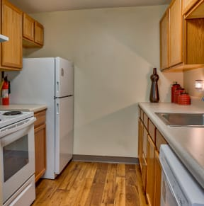 Refrigerator And Kitchen Appliances| The Boulders