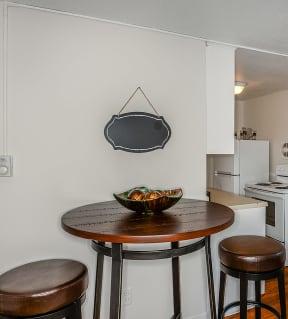 Dining Room| Cliffside