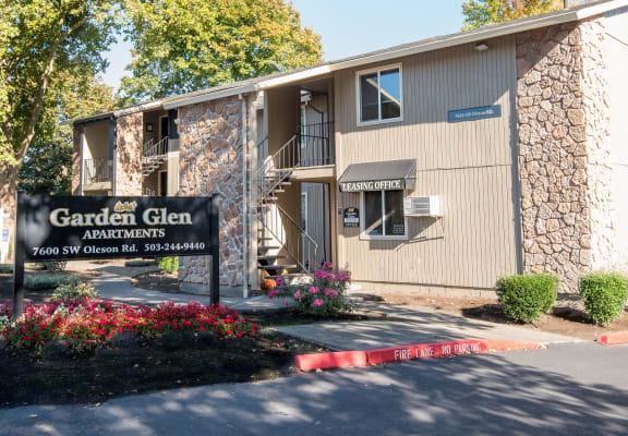 Garden Glen Leasing Office & Monument Sign
