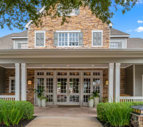 Clubhouse Patio| Lodge at Lakeline Village
