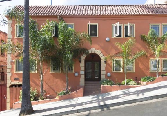 Exterior Photo of Delta Apartments 1616 Delta St, Los Angeles, CA 90026