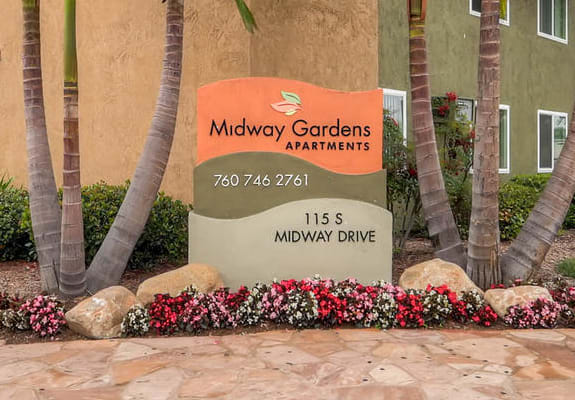 Midway Gardens Monument Signage
