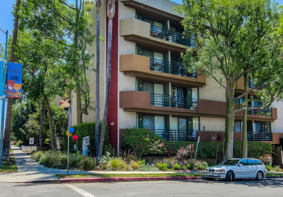 Elegant Exterior View at Hollywood Vista, California, 90046